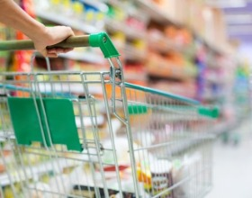 Потребители покидают магазины. Сегмент товаров повседневного спроса растет только в онлайне