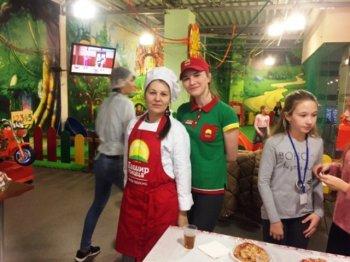 """В ТЦ """"Барс на Московском"""" прошёл первый мастер-класс по приготовлению пиццы. ФОТО"""