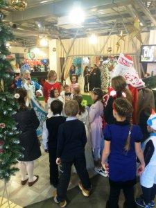 В ТЦ «Барс на Московском» прошла благотворительная акция для детей из многодетных семей. ФОТО