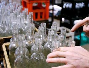 Минпромторг подготовил предложения по инициативе о приеме бутылок в магазинах